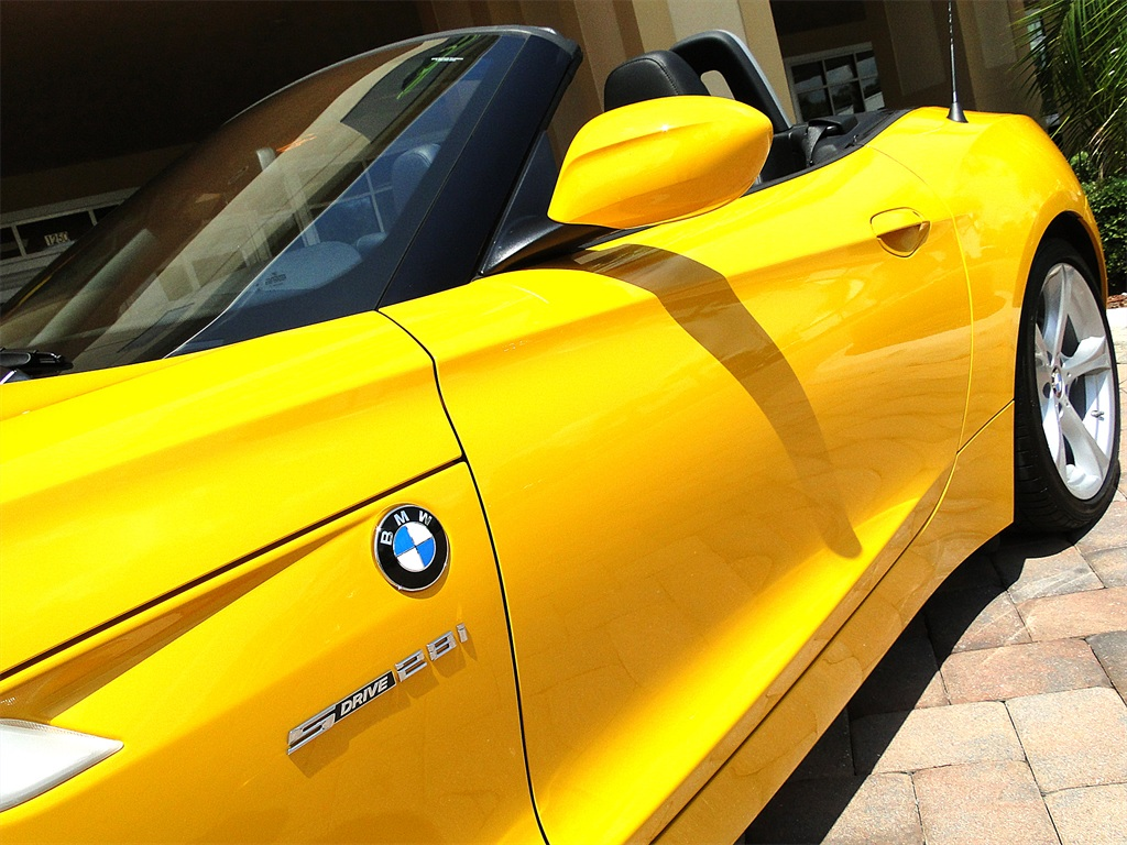 2012 BMW Z4 sDrive28i - Photo 29 - Naples, FL 34104