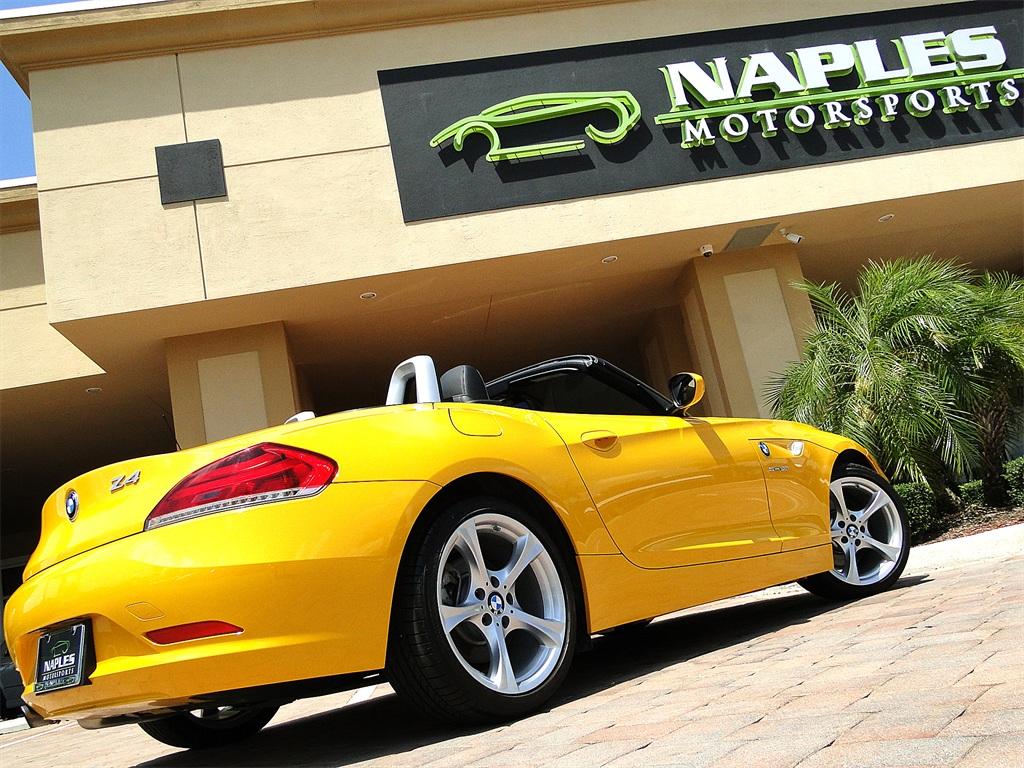 2012 BMW Z4 sDrive28i - Photo 18 - Naples, FL 34104