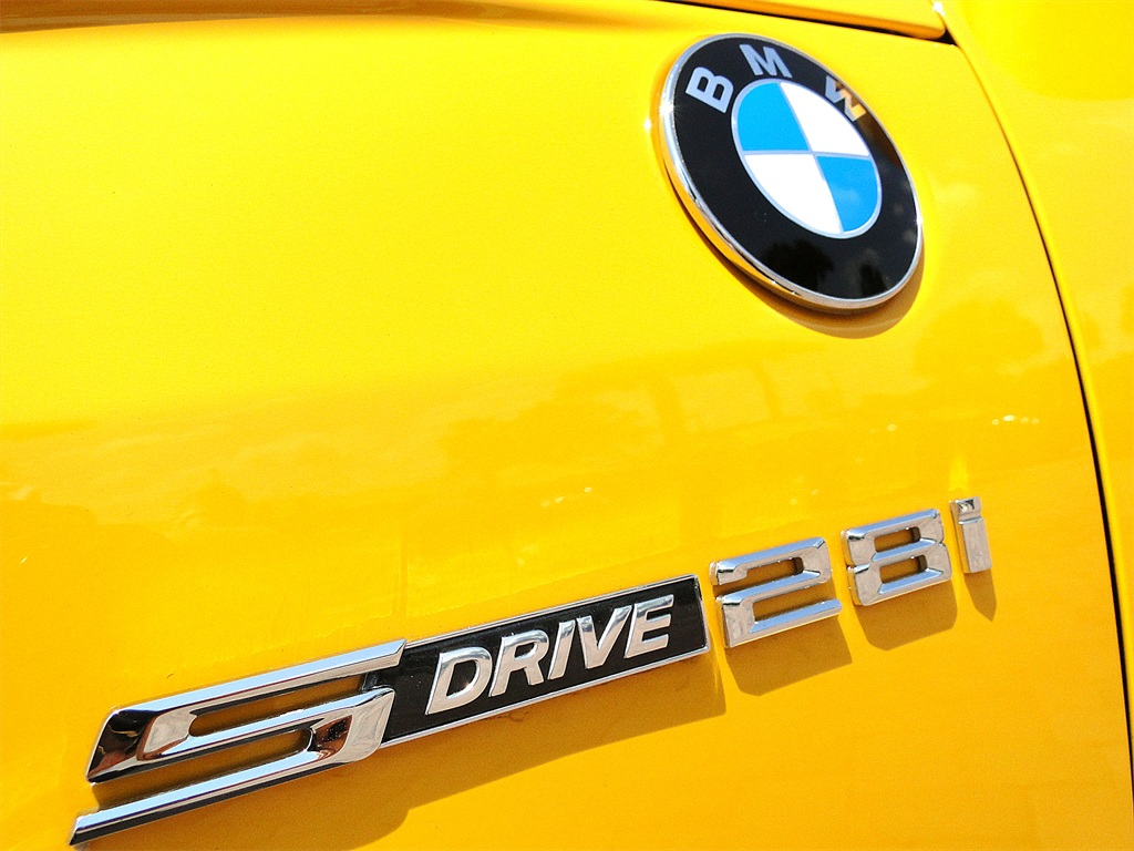2012 BMW Z4 sDrive28i - Photo 46 - Naples, FL 34104