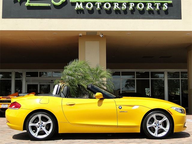 2012 BMW Z4 sDrive28i - Photo 4 - Naples, FL 34104