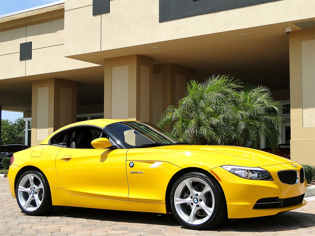 2012 BMW Z4 sDrive28i - Photo 5 - Naples, FL 34104