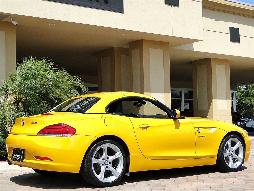 2012 BMW Z4 sDrive28i - Photo 9 - Naples, FL 34104