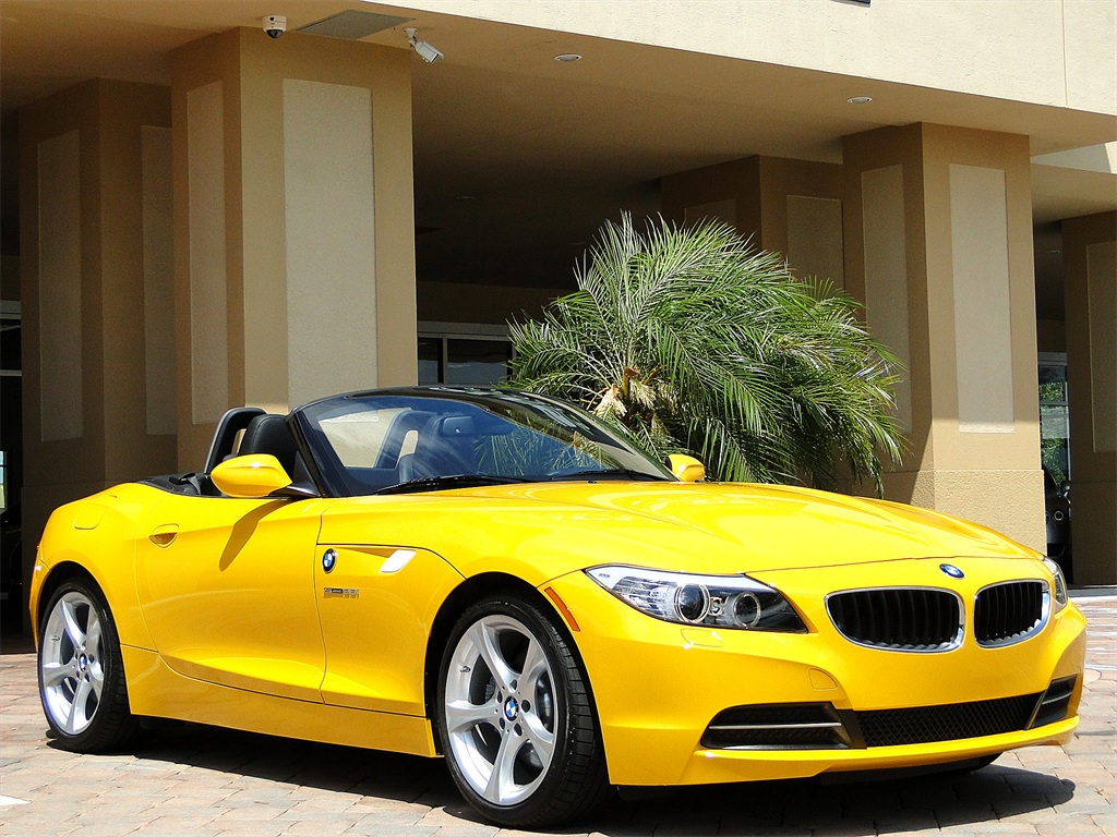2012 BMW Z4 sDrive28i - Photo 48 - Naples, FL 34104