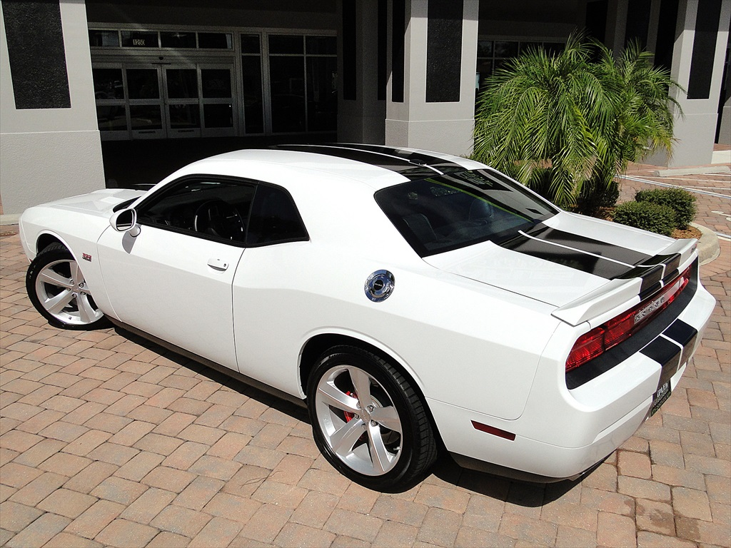 2012 Dodge Challenger SRT8 392 - Photo 43 - Naples, FL 34104