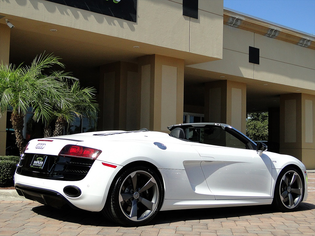 2012 Audi R8 5.2 Quattro Spyder - Photo 21 - Naples, FL 34104