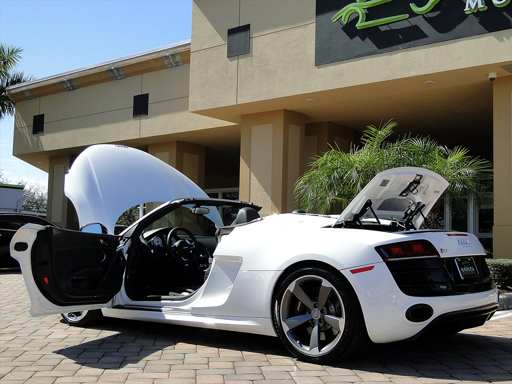 2012 Audi R8 5.2 Quattro Spyder - Photo 15 - Naples, FL 34104