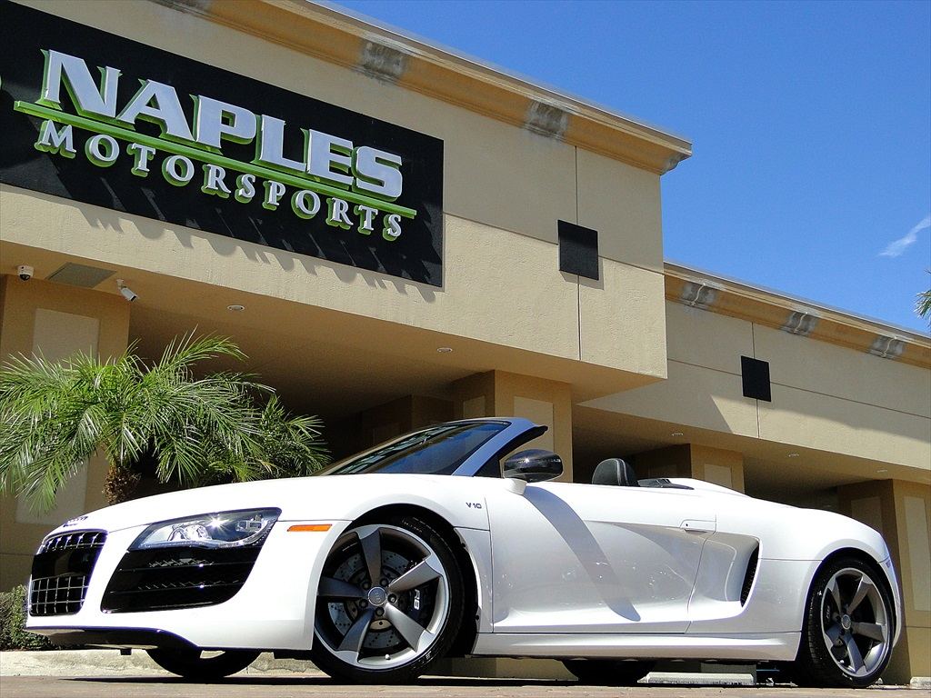 2012 Audi R8 5.2 Quattro Spyder - Photo 50 - Naples, FL 34104