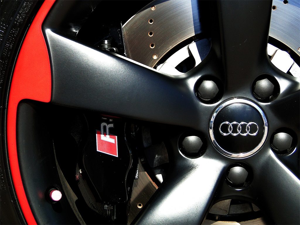 2013 Audi TT RS 2.5 quattro - Photo 29 - Naples, FL 34104