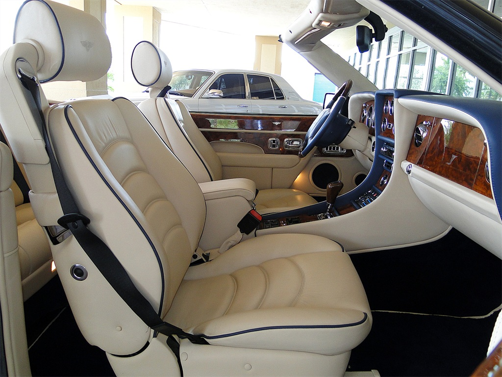 2002 Bentley Azure Mulliner - Photo 48 - Naples, FL 34104
