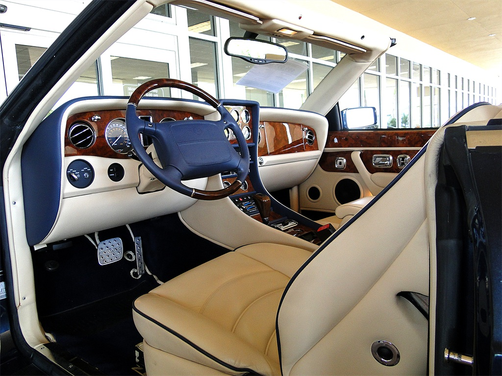 2002 Bentley Azure Mulliner - Photo 44 - Naples, FL 34104