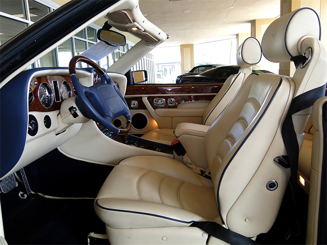 2002 Bentley Azure Mulliner - Photo 2 - Naples, FL 34104