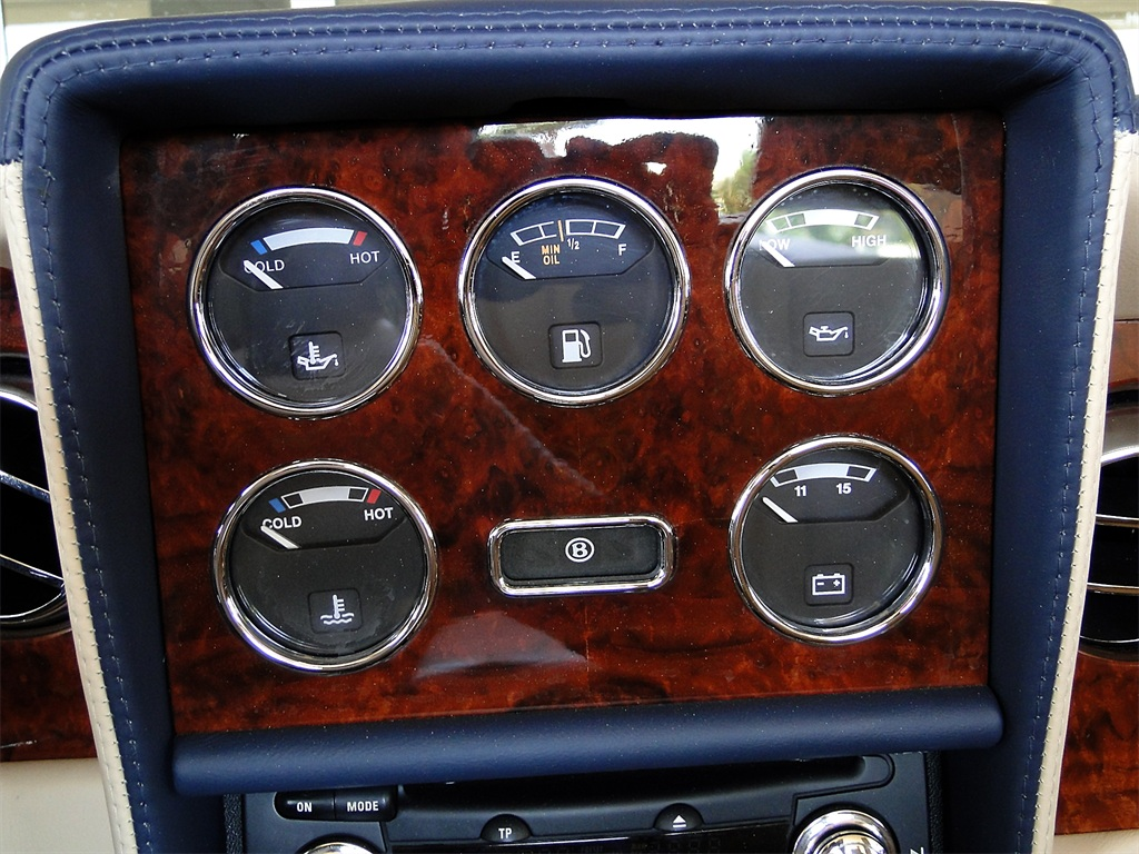2002 Bentley Azure Mulliner - Photo 53 - Naples, FL 34104