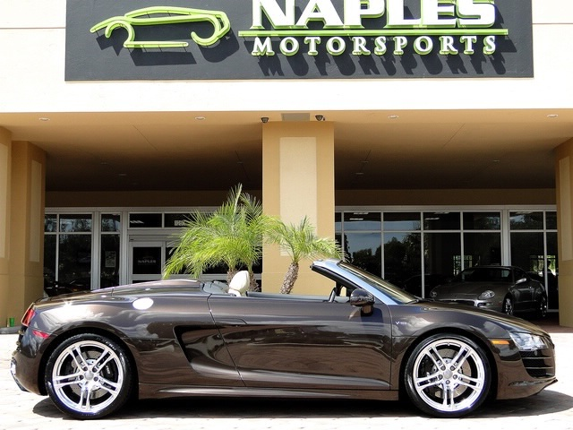 2011 Audi R8 5.2 quattro Spyder - Photo 5 - Naples, FL 34104