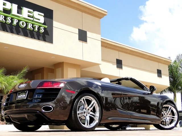 2011 Audi R8 5.2 quattro Spyder - Photo 7 - Naples, FL 34104
