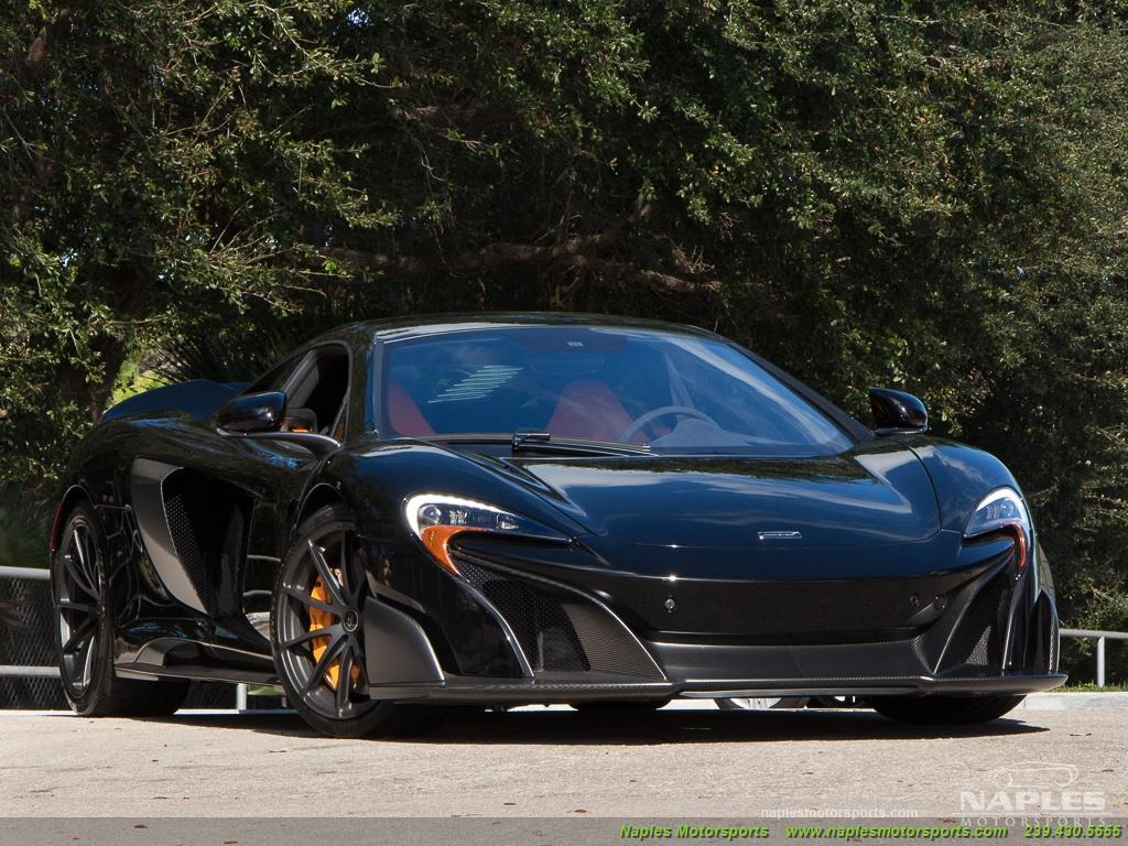 2016 McLaren 675LT - Photo 14 - Naples, FL 34104