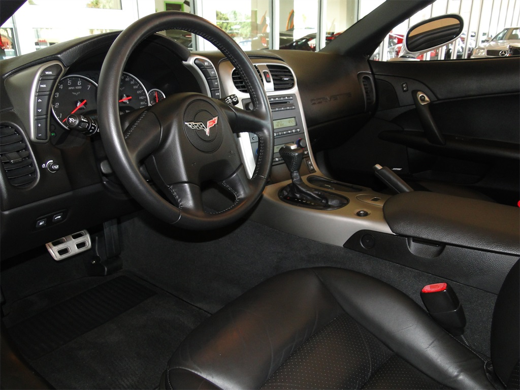 2005 Chevrolet Corvette - Photo 10 - Naples, FL 34104