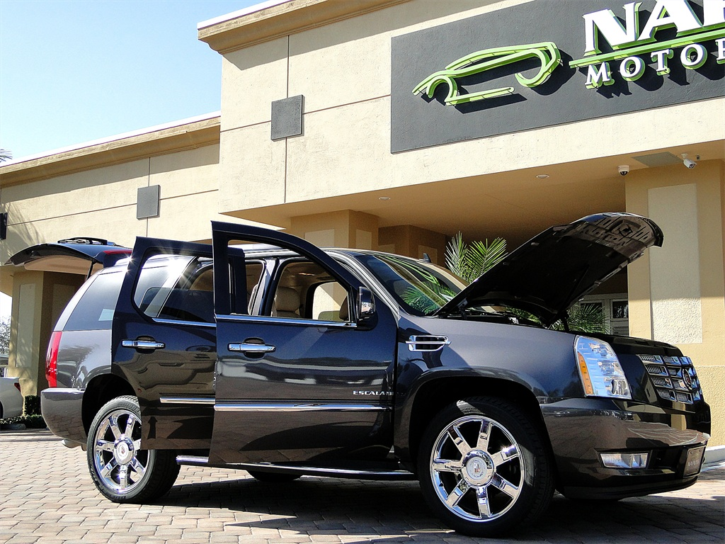 2010 Cadillac Escalade Luxury AWD - Photo 53 - Naples, FL 34104