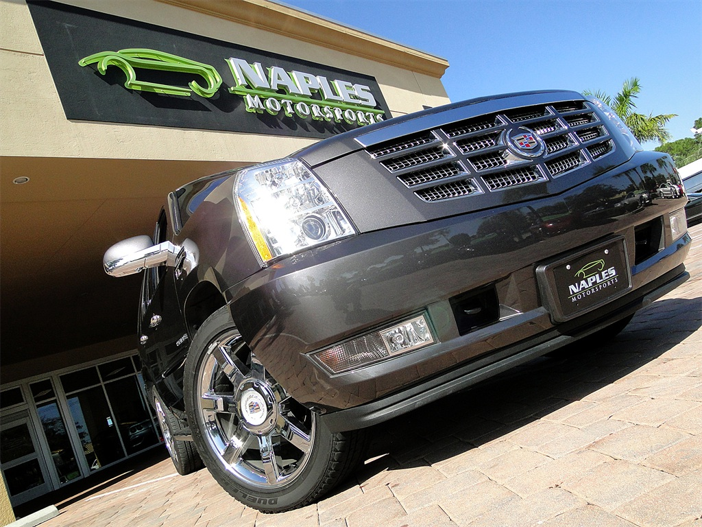 2010 Cadillac Escalade Luxury AWD - Photo 50 - Naples, FL 34104
