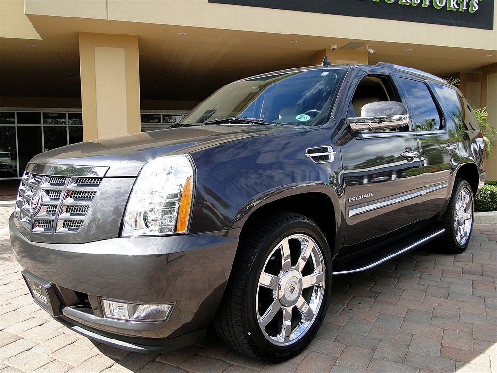 2010 Cadillac Escalade Luxury AWD - Photo 5 - Naples, FL 34104