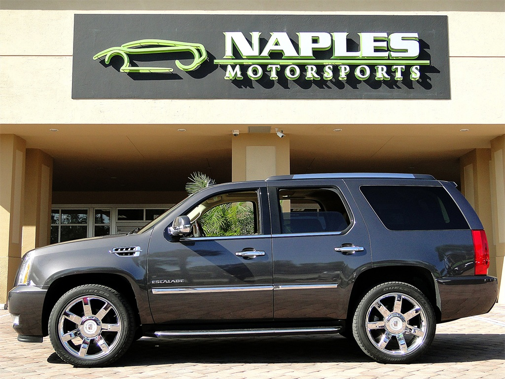 2010 Cadillac Escalade Luxury AWD - Photo 20 - Naples, FL 34104