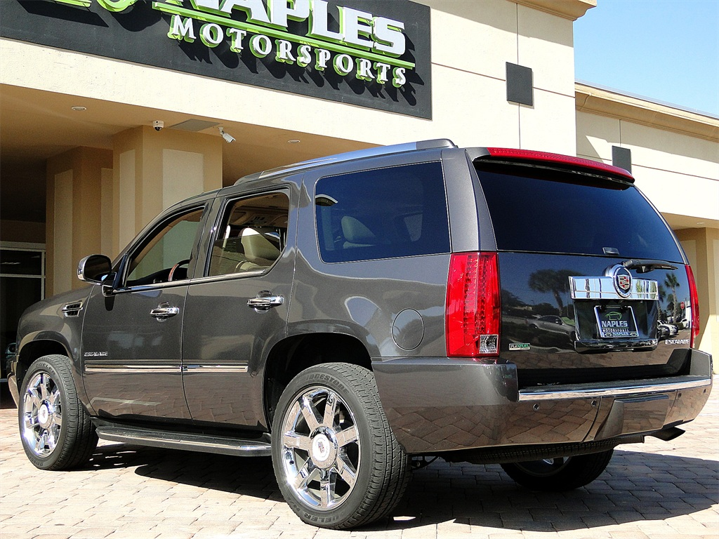 2010 Cadillac Escalade Luxury AWD - Photo 37 - Naples, FL 34104
