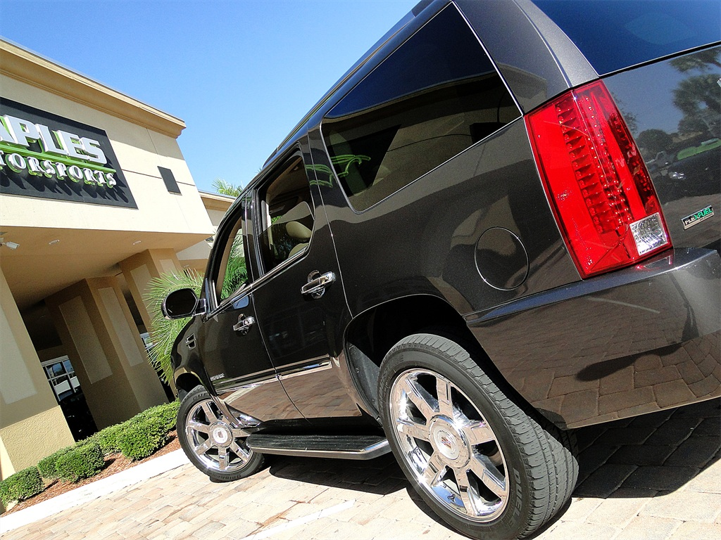 2010 Cadillac Escalade Luxury AWD - Photo 51 - Naples, FL 34104