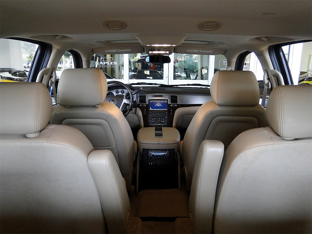 2010 Cadillac Escalade Luxury AWD - Photo 8 - Naples, FL 34104