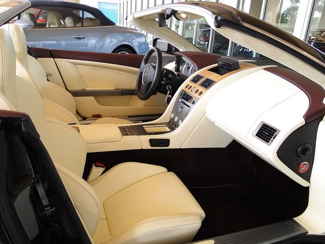 2006 Aston Martin DB9 Volante - Photo 12 - Naples, FL 34104