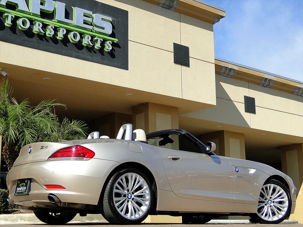 2010 BMW Z4 sDrive35i - Photo 17 - Naples, FL 34104