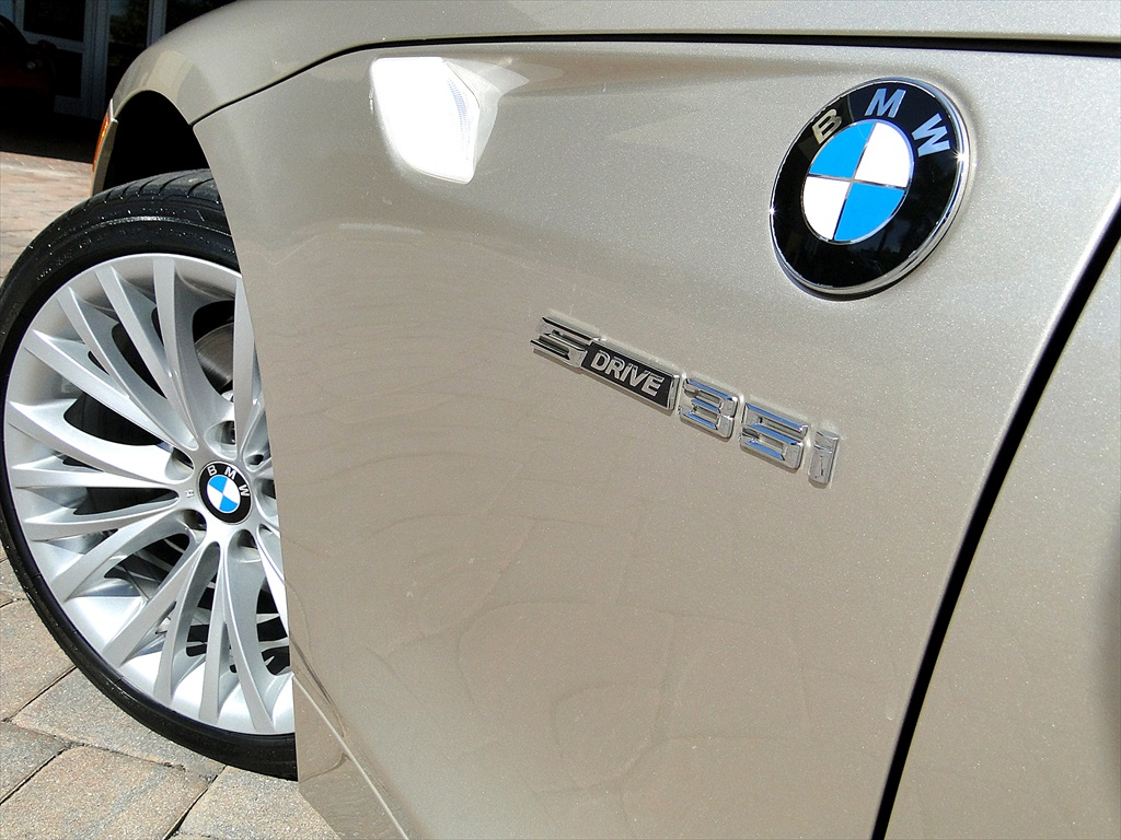 2010 BMW Z4 sDrive35i - Photo 31 - Naples, FL 34104