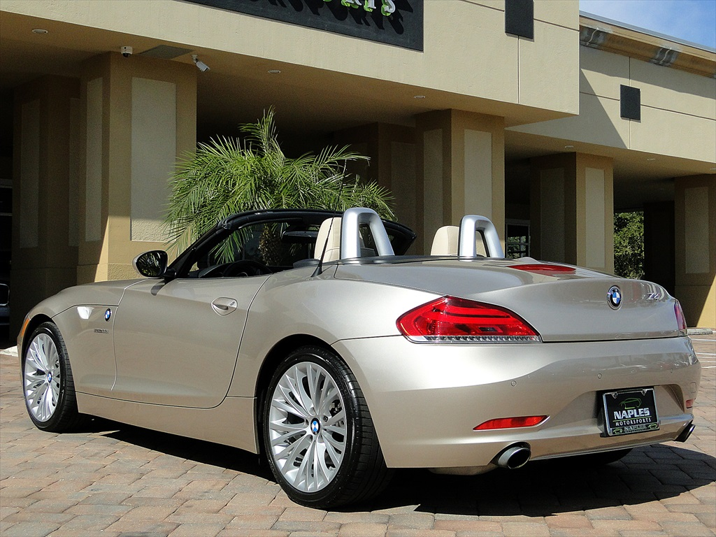 2010 BMW Z4 sDrive35i - Photo 43 - Naples, FL 34104