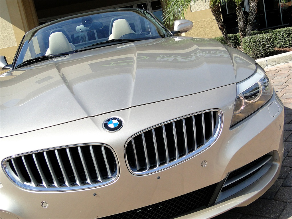 2010 BMW Z4 sDrive35i - Photo 42 - Naples, FL 34104