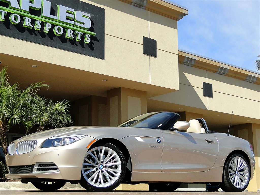 2010 BMW Z4 sDrive35i - Photo 38 - Naples, FL 34104