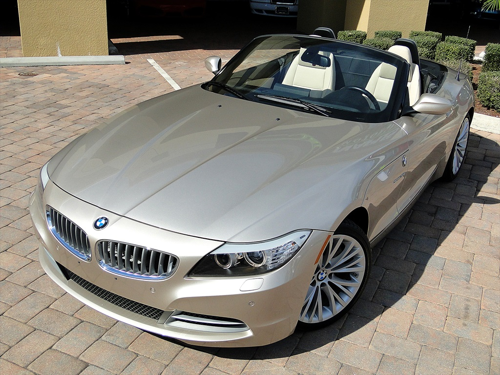 2010 BMW Z4 sDrive35i - Photo 51 - Naples, FL 34104