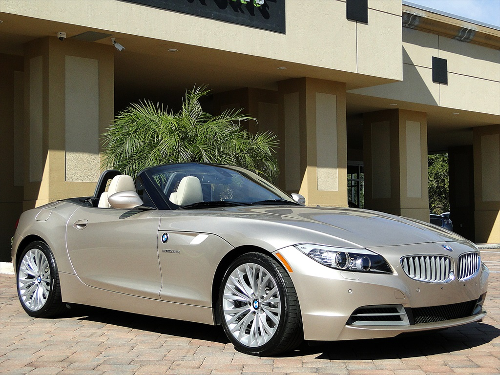 2010 BMW Z4 sDrive35i - Photo 39 - Naples, FL 34104