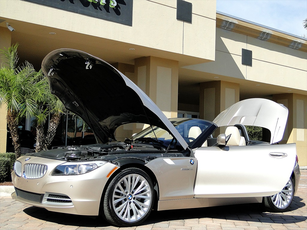 2010 BMW Z4 sDrive35i - Photo 33 - Naples, FL 34104