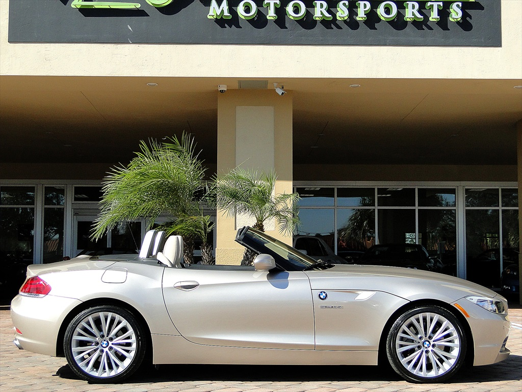 2010 BMW Z4 sDrive35i - Photo 12 - Naples, FL 34104