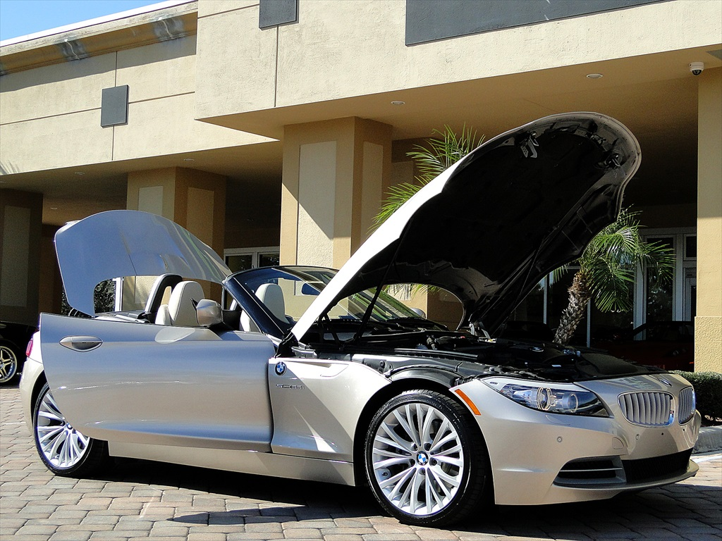 2010 BMW Z4 sDrive35i - Photo 24 - Naples, FL 34104