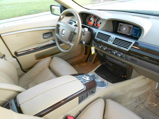 2008 BMW 750i - Photo 17 - Naples, FL 34104