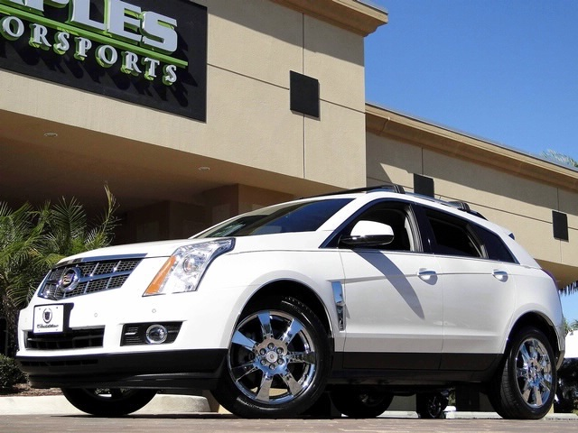 2010 Cadillac SRX Turbo Performance Collection - Photo 31 - Naples, FL 34104
