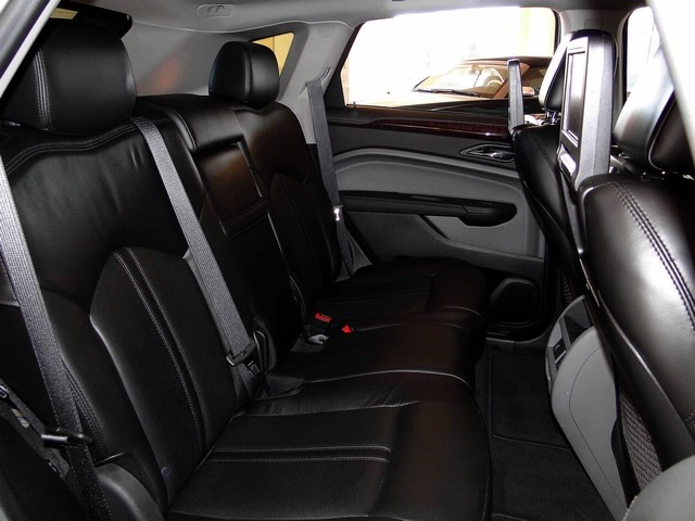 2010 Cadillac SRX Turbo Performance Collection - Photo 36 - Naples, FL 34104