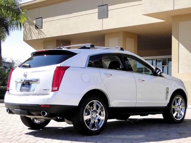 2010 Cadillac SRX Turbo Performance Collection - Photo 54 - Naples, FL 34104
