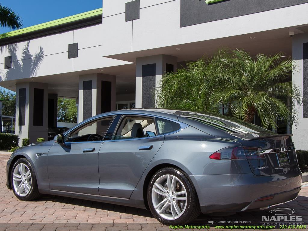2013 Tesla Model S Performance - Photo 32 - Naples, FL 34104