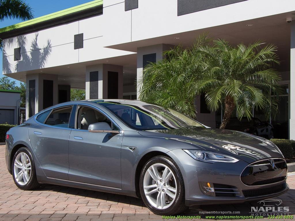 2013 Tesla Model S Performance - Photo 38 - Naples, FL 34104