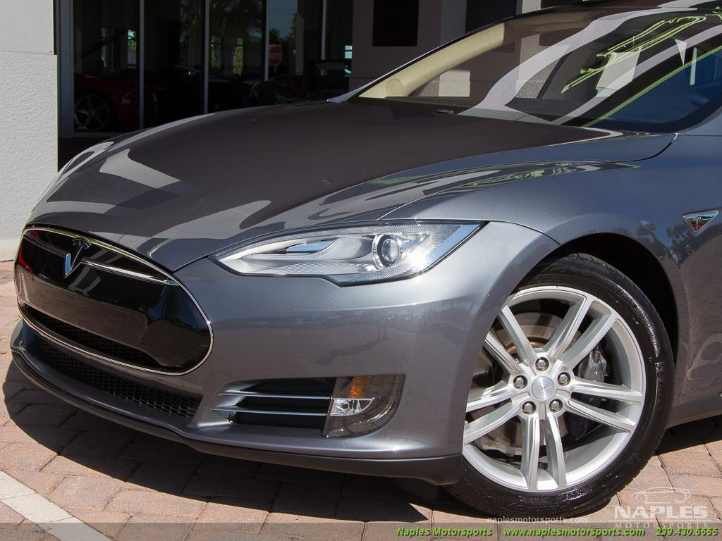 2013 Tesla Model S Performance - Photo 22 - Naples, FL 34104