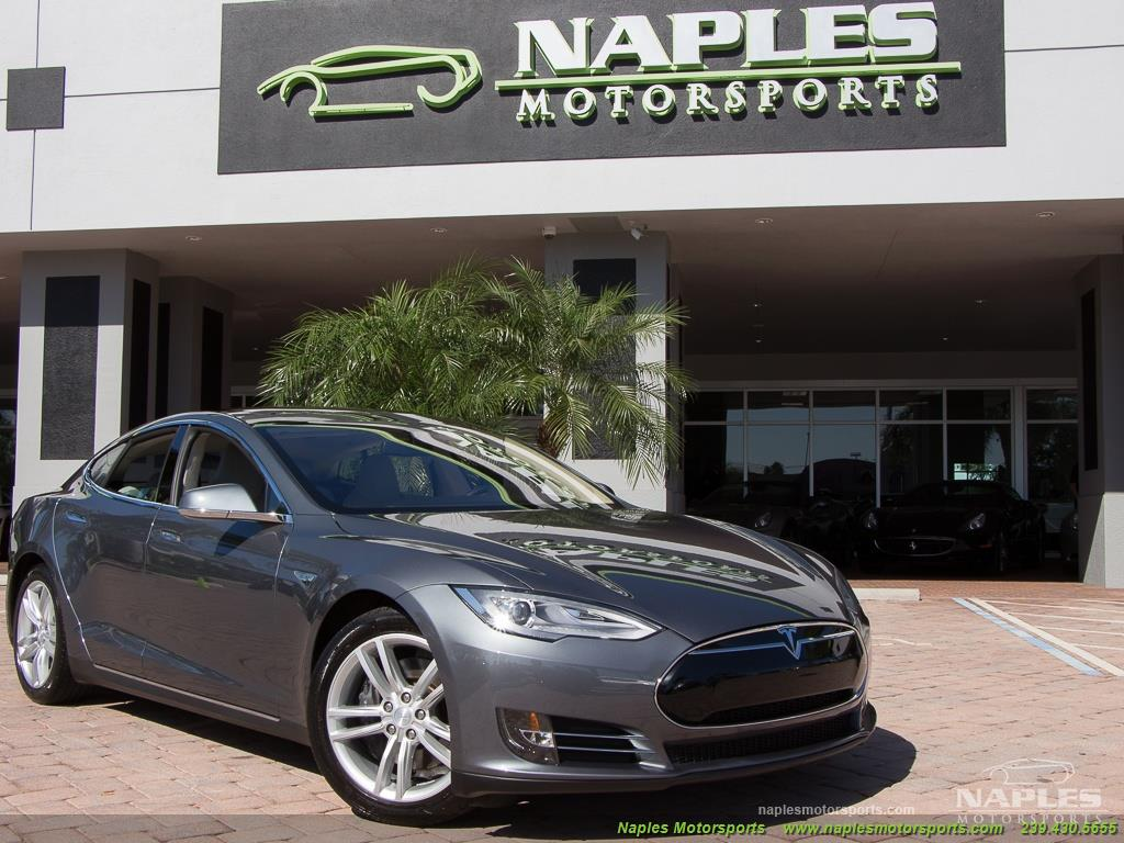 2013 Tesla Model S Performance - Photo 29 - Naples, FL 34104