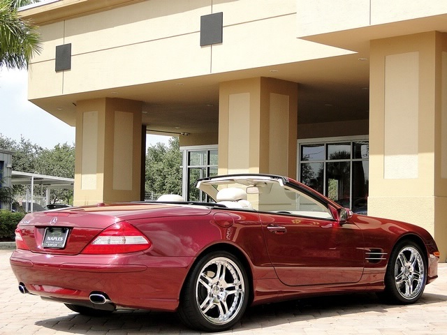 2007 Mercedes-Benz SL550 - Photo 14 - Naples, FL 34104