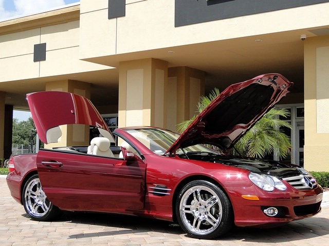 2007 Mercedes-Benz SL550 - Photo 20 - Naples, FL 34104