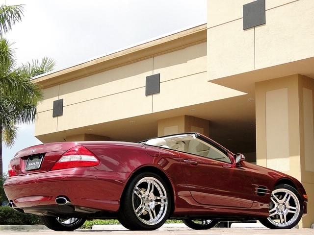 2007 Mercedes-Benz SL550 - Photo 56 - Naples, FL 34104