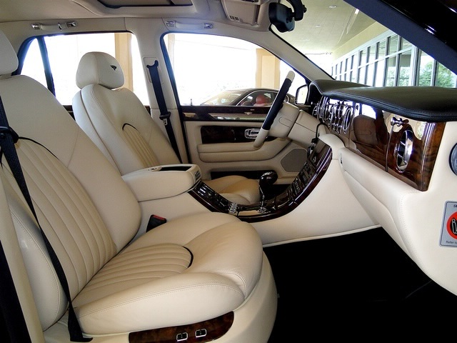 2002 Bentley Arnage Red Label - Photo 46 - Naples, FL 34104